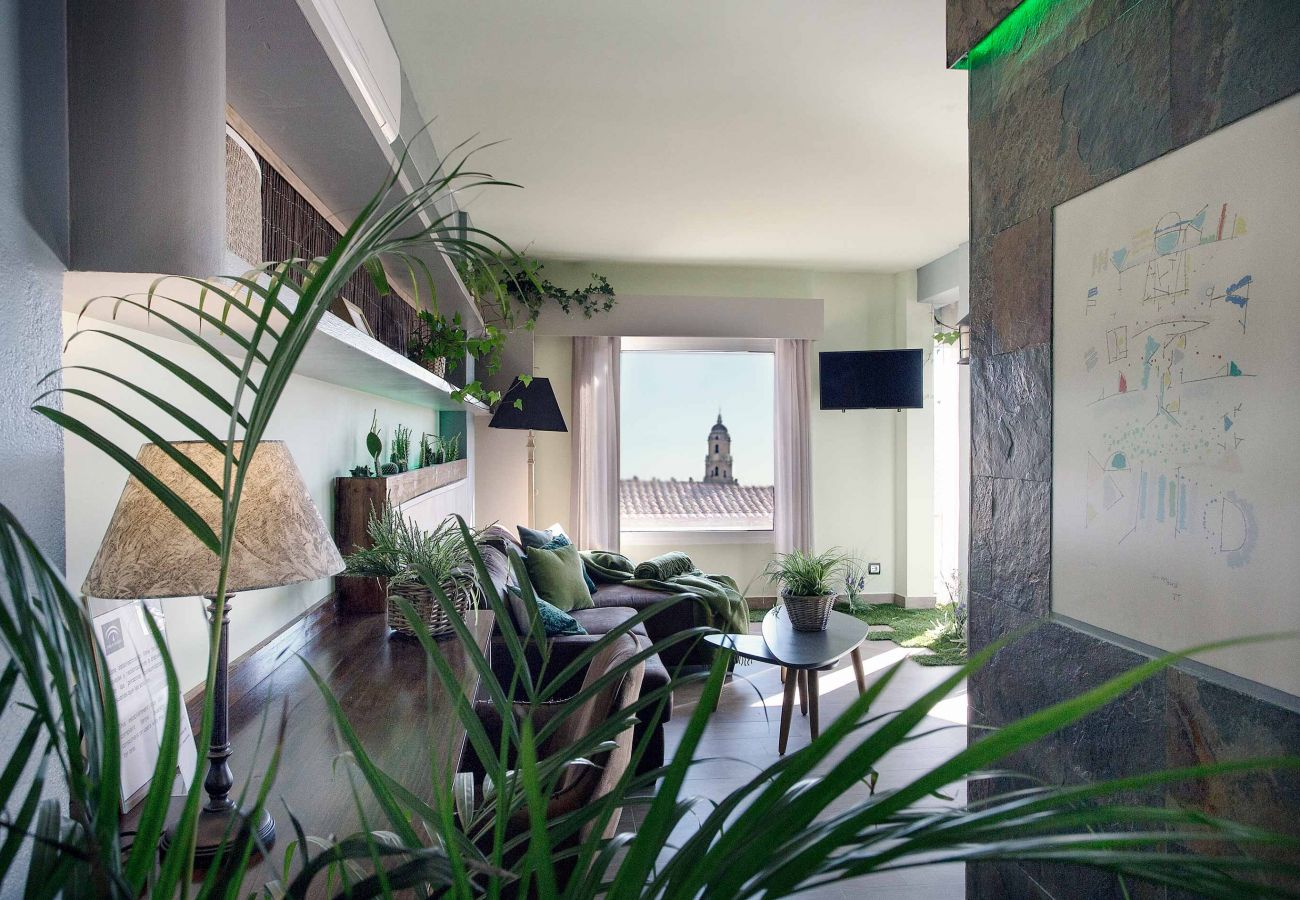 Apartment in Málaga - Luxury Garden Suite