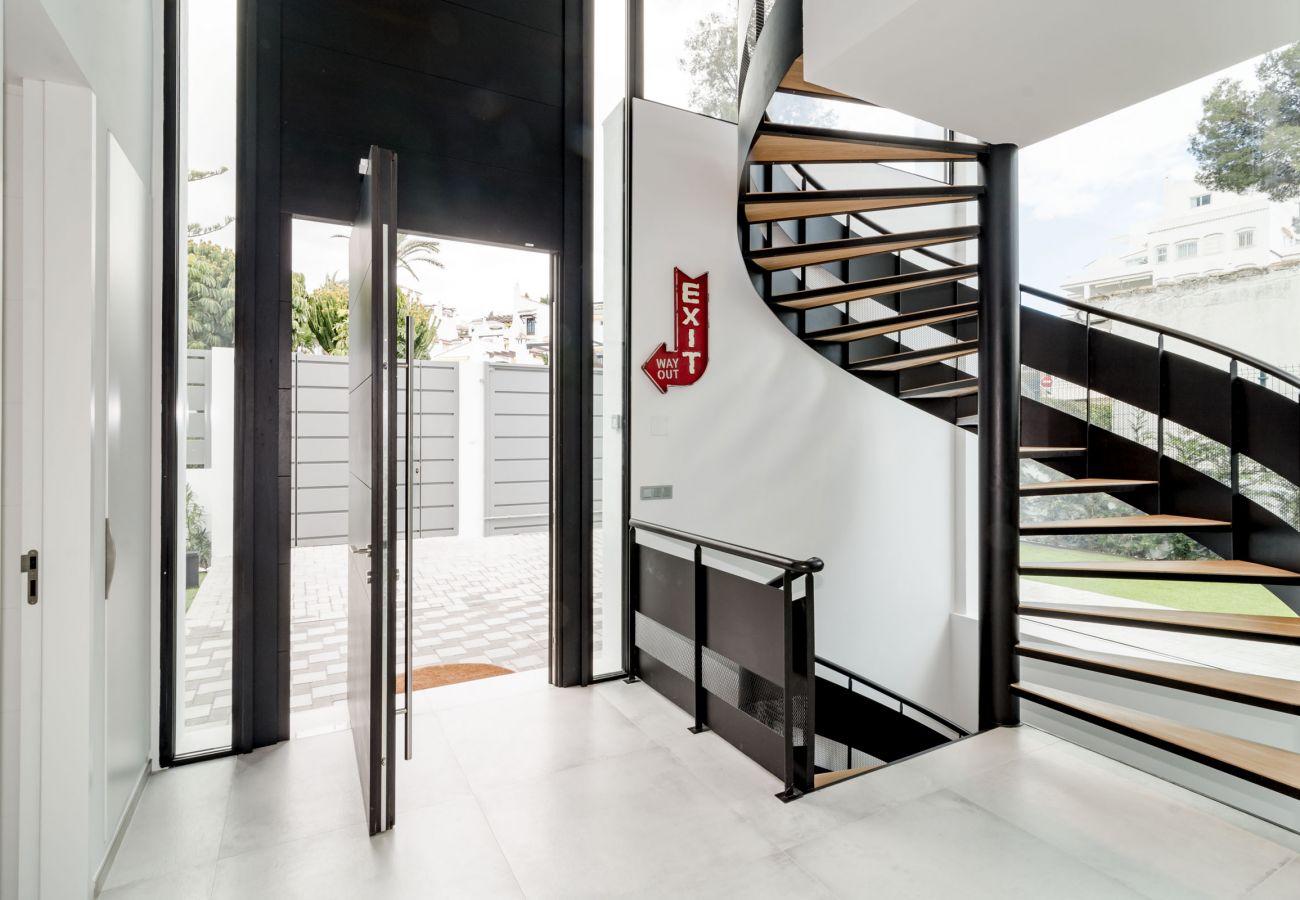 Entrance of Luxurious 5 Bedroom Villa Near the Beach