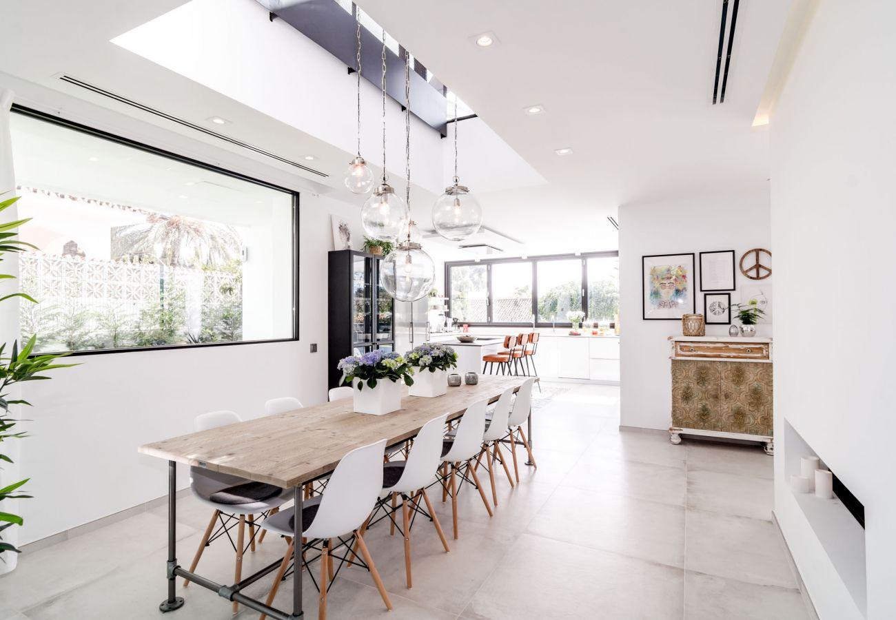 Kitchen of Luxurious 5 Bedroom Villa Near the Beach