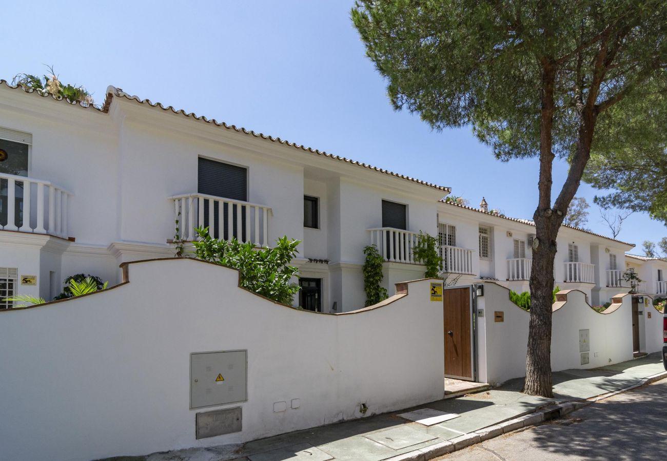 Townhouse in San Pedro de Alcántara - GB13- 5 bedroom townhouse 100 from sandy beaches