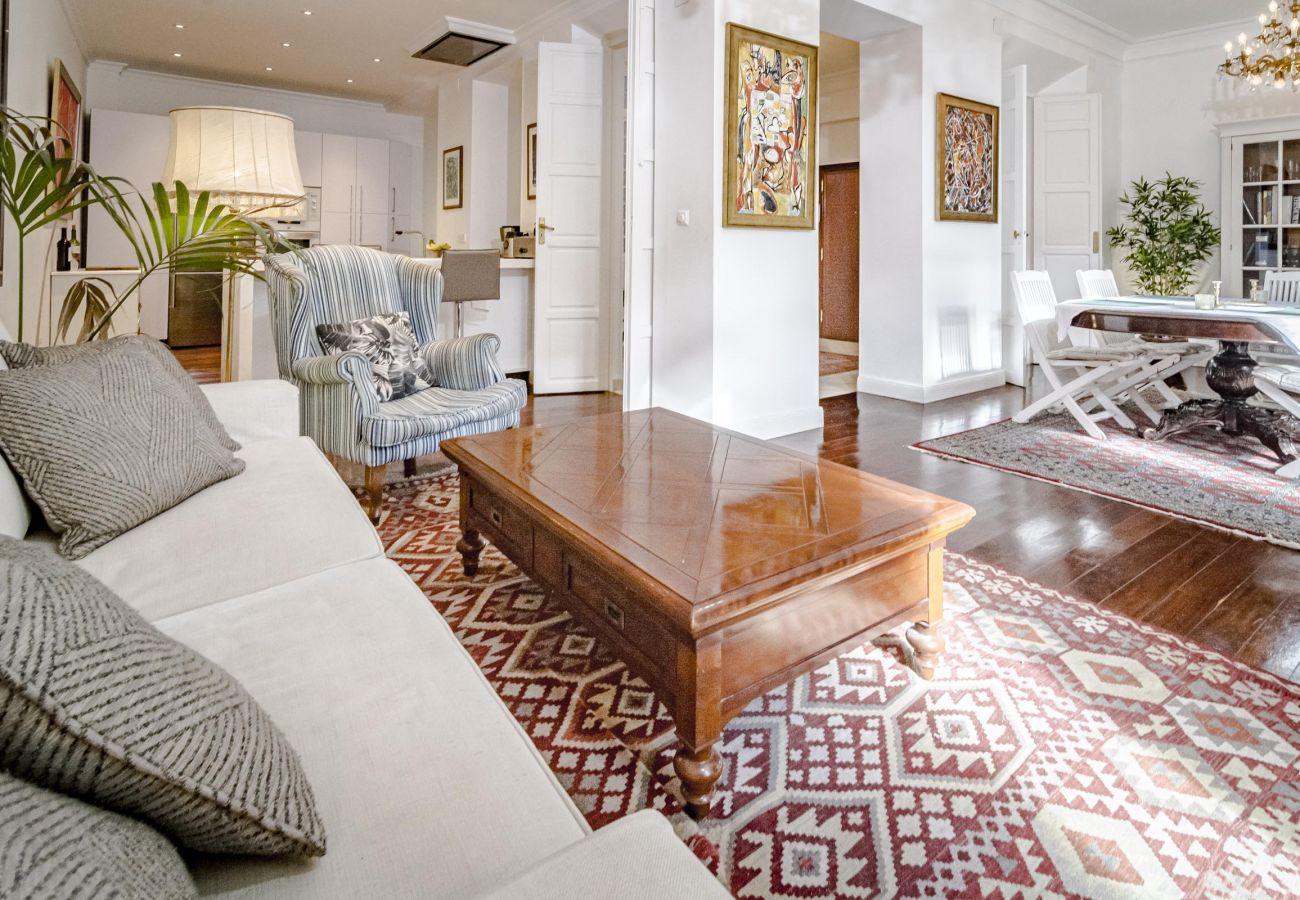 Apartment in Málaga - PLM- Classic city apartment in the heart of Malaga