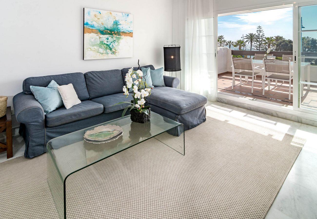 Apartment in San Pedro de Alcántara - ADE- 3 bed apartment, frontline beach San Pedro